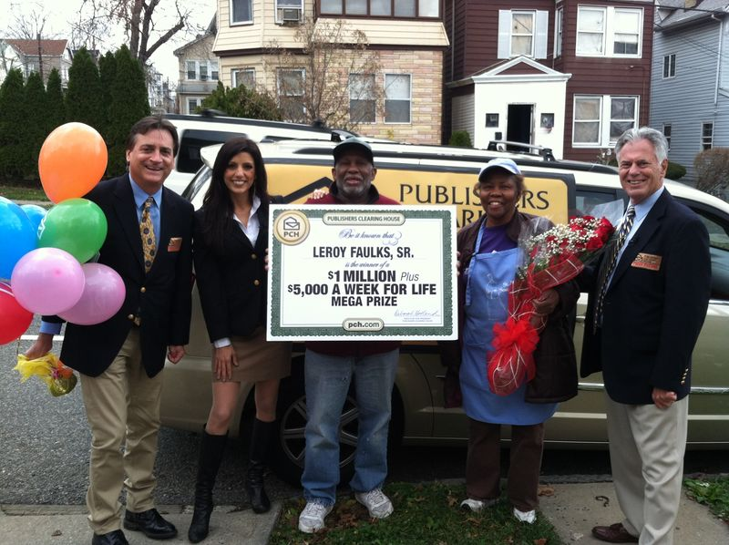 Publishers_Clearing_House_Prize_Patrol_awards_5000_A_Wk_For_Life